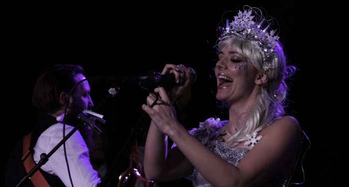 Gabby Young live