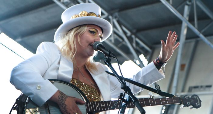 Elle King live by Sarah Hess