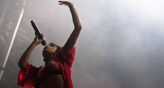 FKA twigs live by Sarah Hess