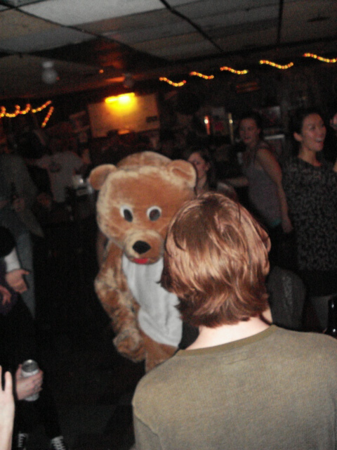 Dancing_Dieting_Bear_Court_Tavern